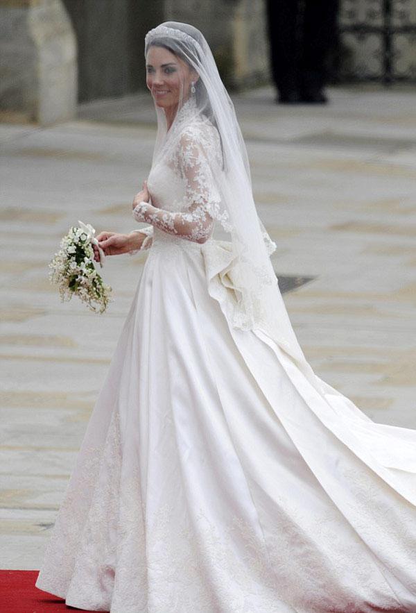 Kate Middleton foi bem criticada, mas eu achei o vestido dela lindo ...