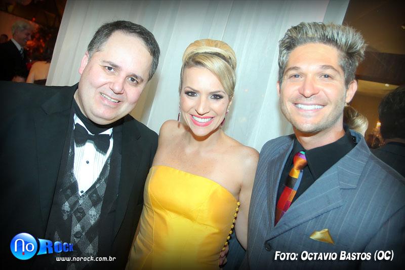 Octavio Bastos (No Rock) com Giovana e André Rosa, do Le Buffet.