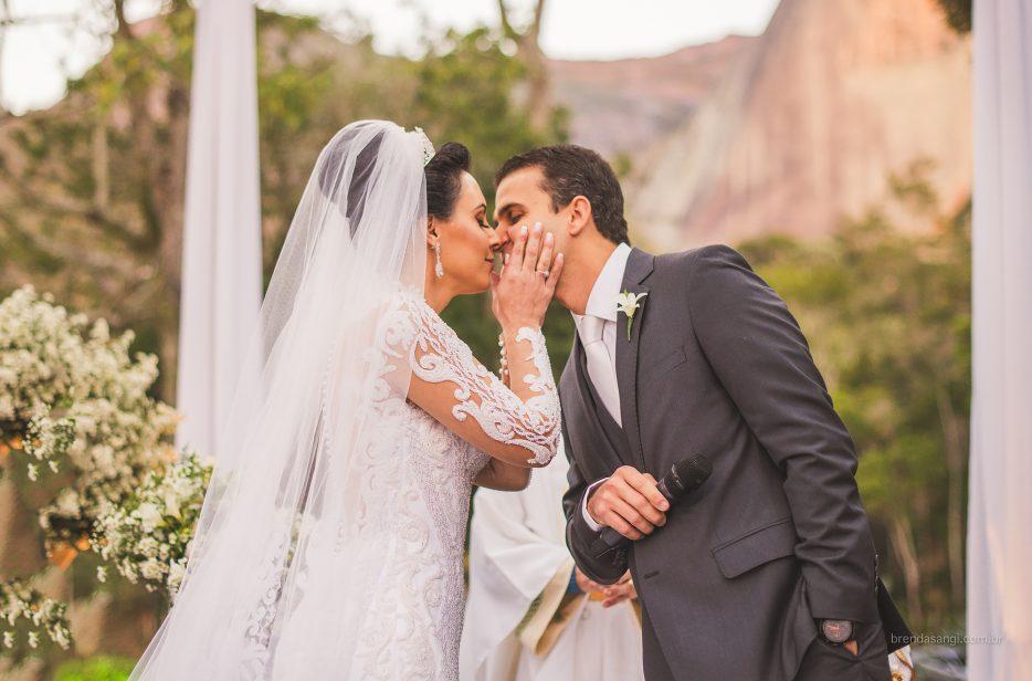 Casamento em Pedra Azul: Licyara e Arcangelo
