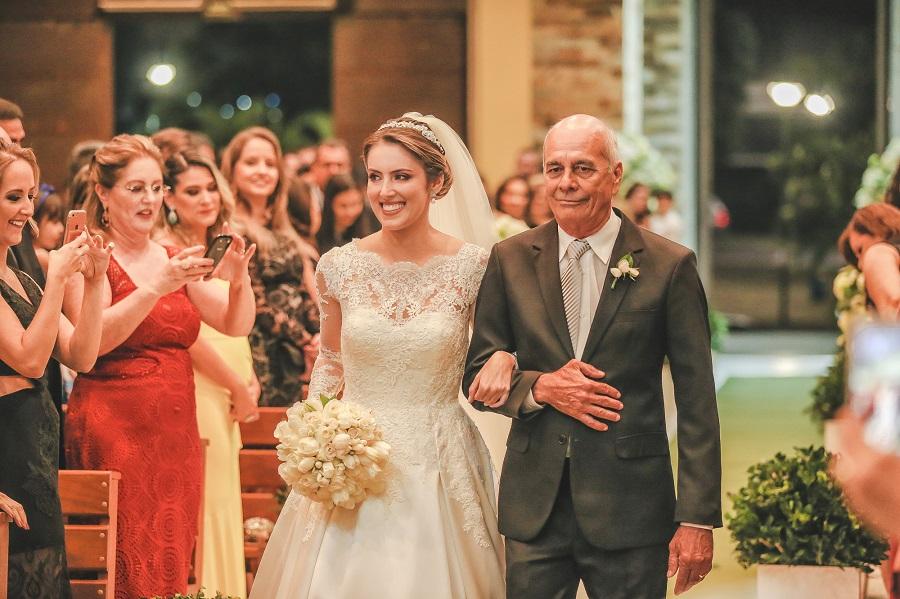 Casamento clássico em Vitória / ES - entrada da noiva