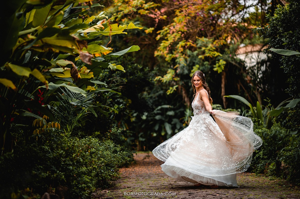 Casamento ao Ar Livre: Gabi e Kieran