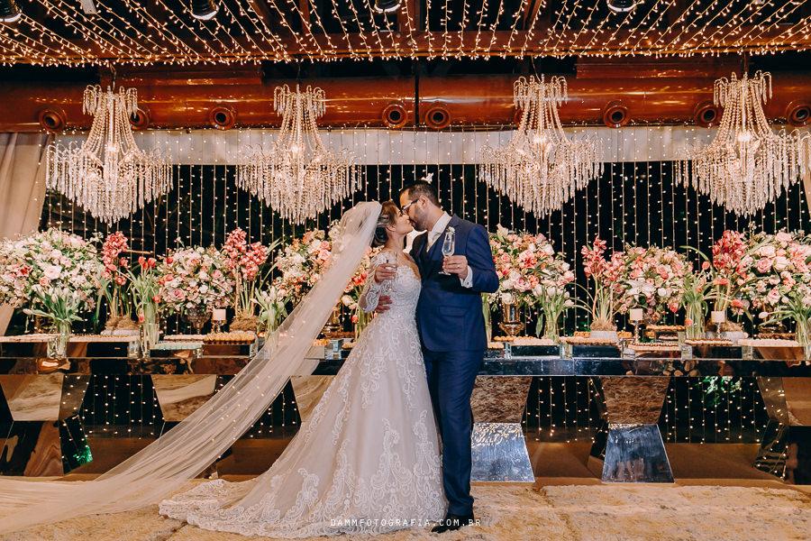 Casamento Clássico-Romântico: Leticia e Italo