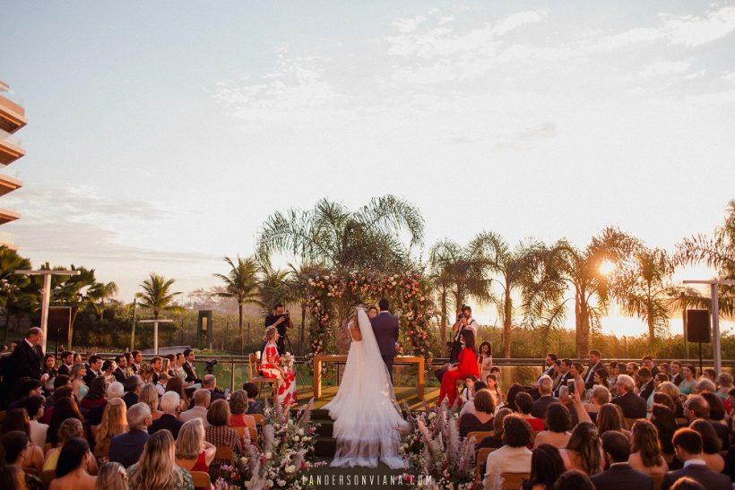 Casamento no Pôr-do-sol: Lupia e Ricardo