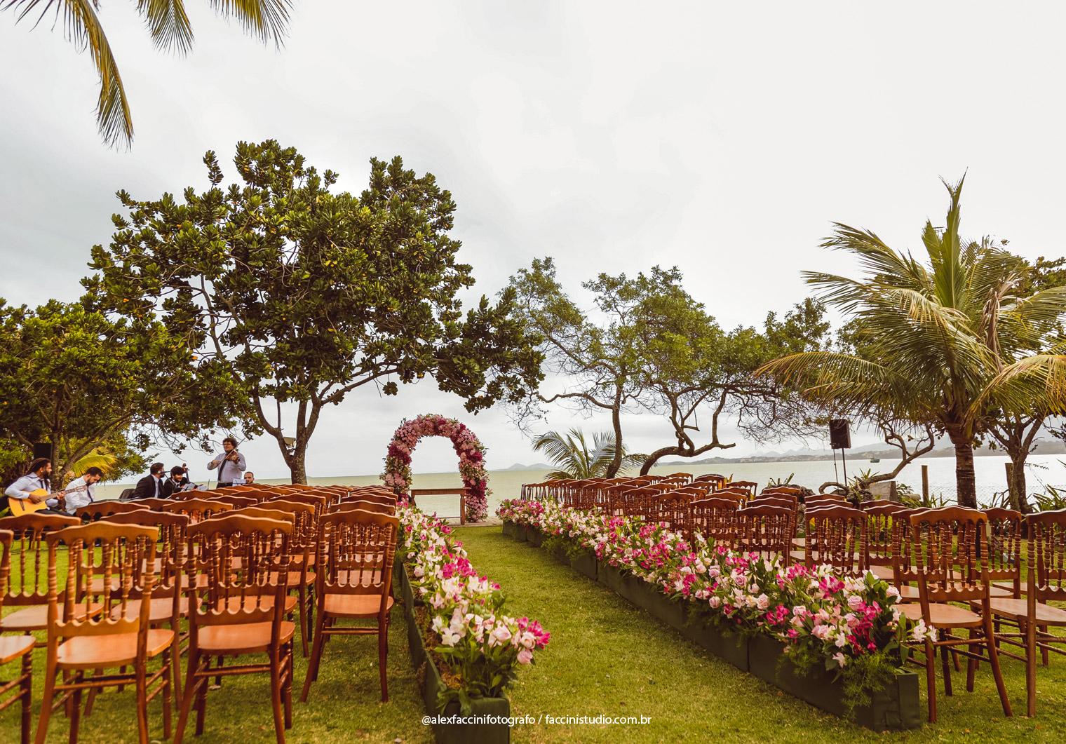 Casamento na Praia: Larissa e Fabricio