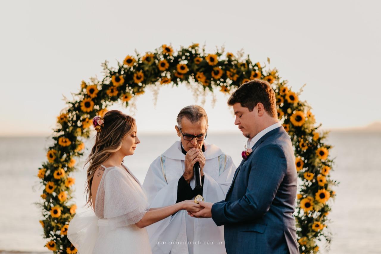 Casamento na Praia: Julia e Vinicius